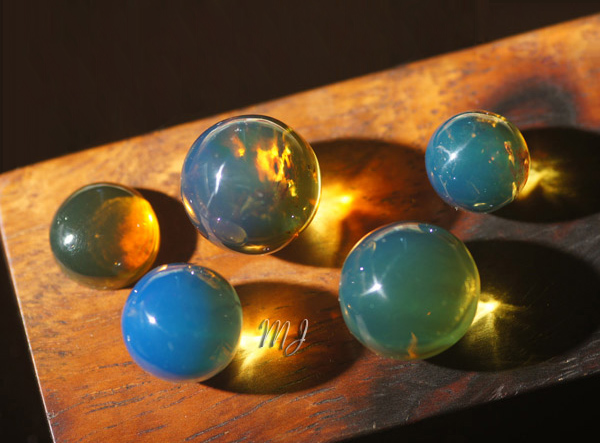 фото голубой янтарь