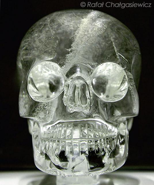 Свечение глазниц хрустального черепа