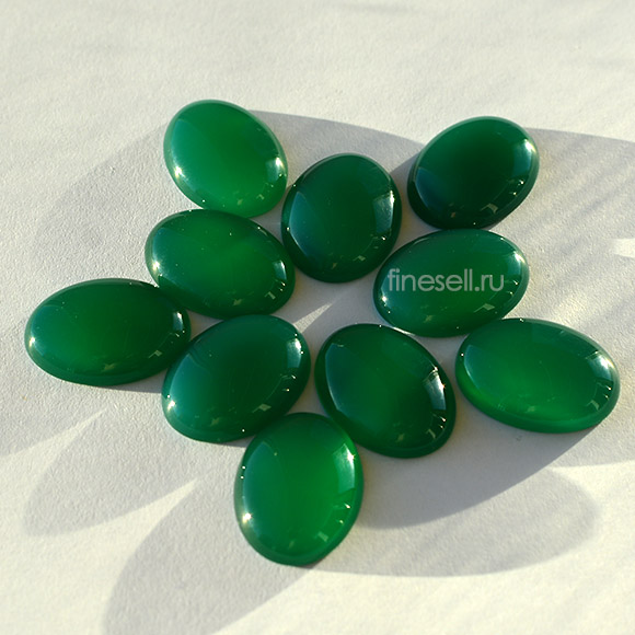Natural Green Agate Lot 20x15mm. oval cabochon