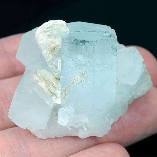 Натуральный Аквамарин - сросток кристаллов
