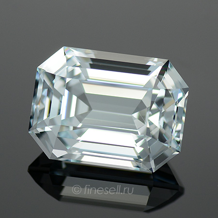 Natural light blue aquamarine - 3.68 Ct.