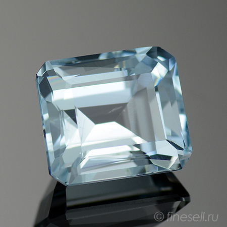 Natural Aqua blue aquamarine - 3.28 Ct.