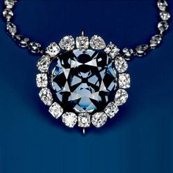 Алмаз Хоупа с уникальным сапфирово-синим цветом