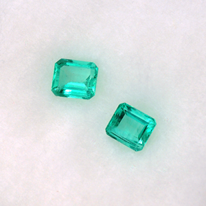Natural emeralds pair - 0.75 Ct