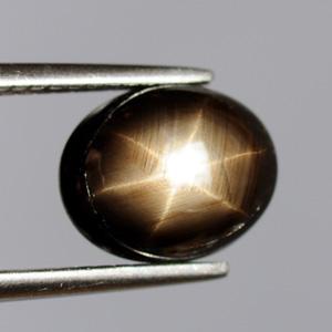 Натуральный сапфир, звёздчатый 3.38 Ct