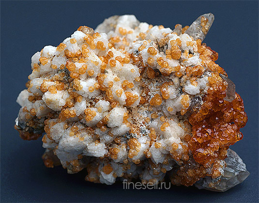 Spessartin crystals brush in combination with other minerals