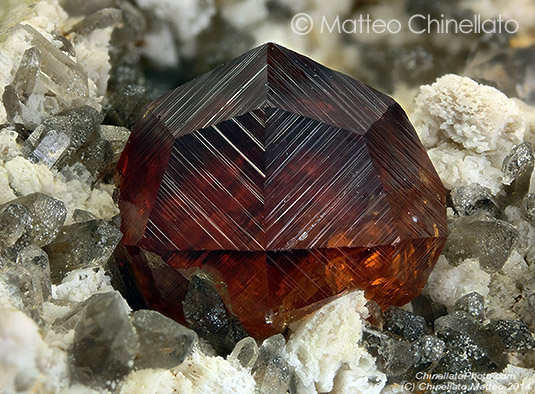 Spessartine crystal close photo
